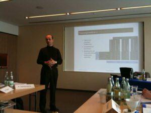 Prof. K. Oestreicher zum Thema Nutzungsanalyse für Online-Communitys